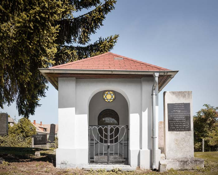 Grünvald Manó ortodox főrabbi síremléke