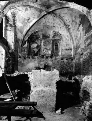 A zsinagóga keleti oldala kutatás közben, 1958, Forster Központ Fotótára, Ltsz.: 45926.