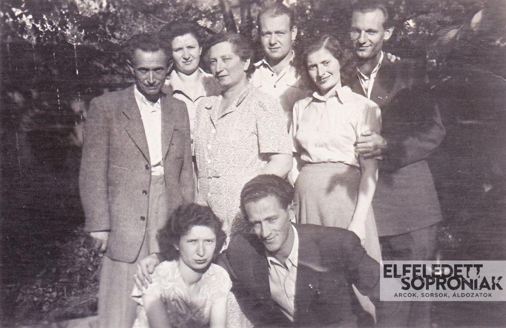 Steuer Adolf és Mandl Malvin a lányokkal: Juliannával, Irmával, Margittal és férjeikkel,